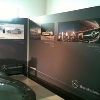 Exposition dans une concession Mercedes