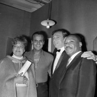 Yves Montand Simone Signoret et MLK : © Keystone / Gamma Rapho