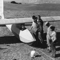 CALIFORNIA, LOS ANGELES, LINDBERG IN HIS GLIDER BEFORE TO TAKE OFF