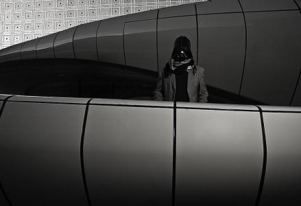"Darth Vader in front of the ""Institut du monde arabe"", Asaf Matarasso"