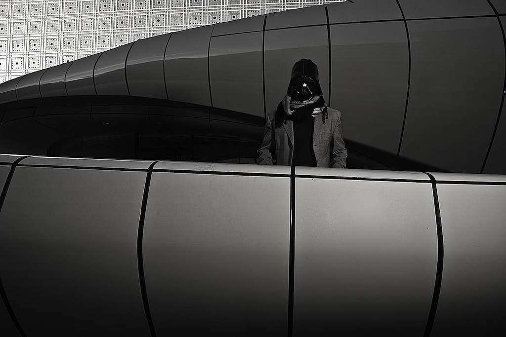 "Darth Vader in front of the ""Institut du monde arabe"", Asaf Matarasso"
